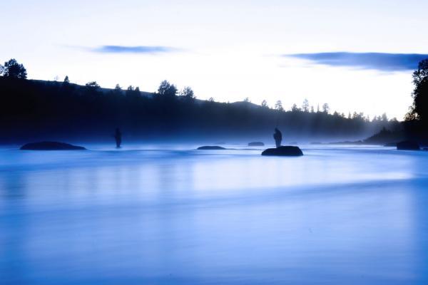 Sommarnatt längs Vindelån