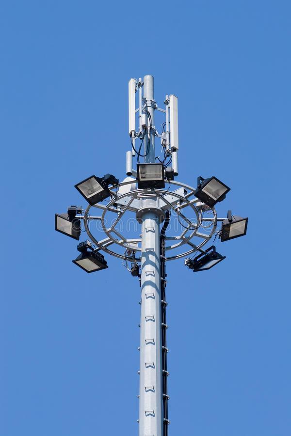 reflectores-del-estadio-10666247.jpg